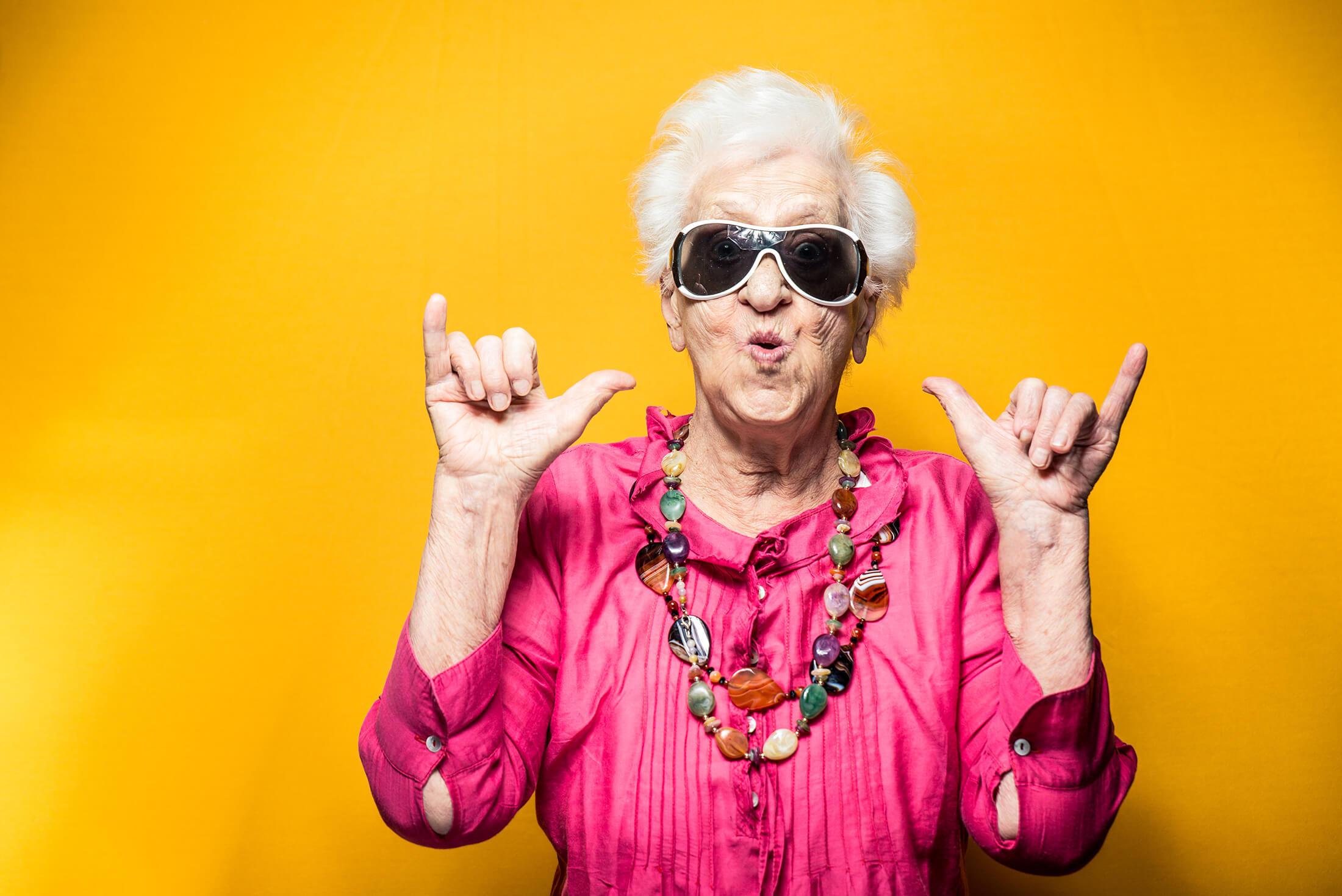 Прикольные картинки про старых женщин